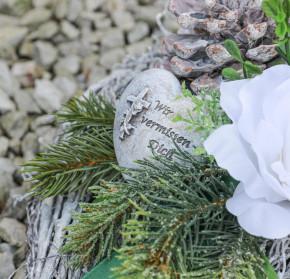 Rebenherz - Grabgesteck Winterhart Grabschmuck Grabaufleger Herz Grab Friedhof Trauerherz Totensonntag Allerheiligen künstlich wetterfest -
